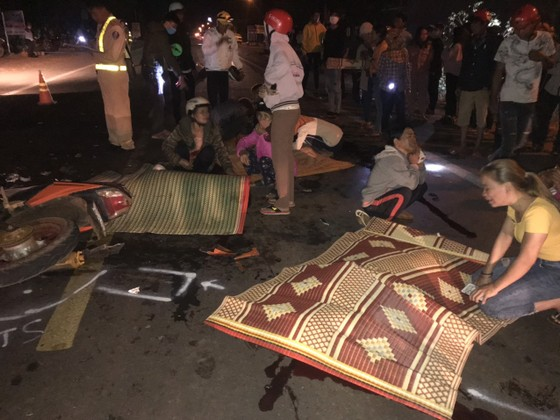 Hai xe máy tông nhau, 4 người chết, 1 người bị thương ảnh 1