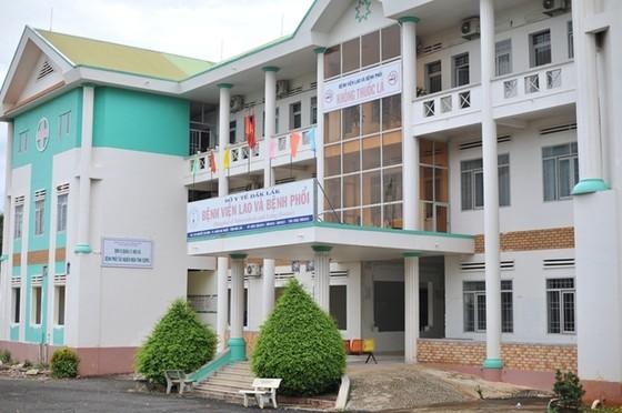 Bệnh nhân mắc Covid-19 ở Đắk Lắk chuyển nặng, Bệnh viện Chợ Rẫy điều 4 chuyên gia hỗ trợ ảnh 1