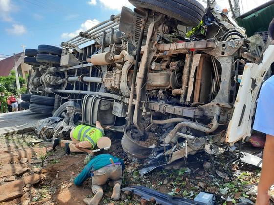 Tai nạn liên hoàn trên đường Hồ Chí Minh khiến ít nhất 5 người thương vong ảnh 1