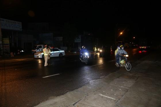 Đồng Nai hộ tống 900 công nhân đi xe máy về Đắk Lắk ảnh 4