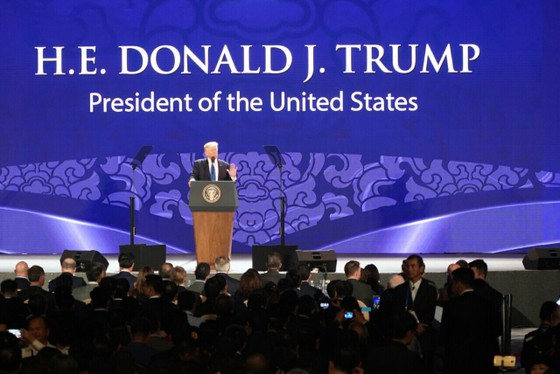 Tổng thống Donald Trump phát biểu tại Hội nghị Thượng đỉnh Doanh nghiệp APEC ảnh 1