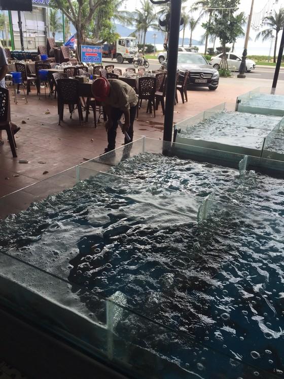Công trình TMS Luxury Hotel Đà Nẵng thi công ẩu gây nguy hiểm cho người dân bên dưới ảnh 1