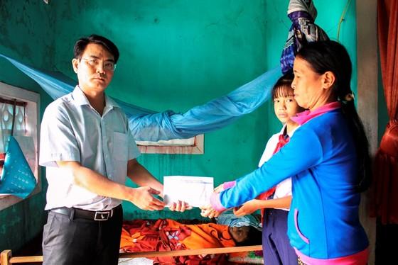 Báo SGGP trao tiền hỗ trợ cho 2 hoàn cảnh khó khăn ảnh 1