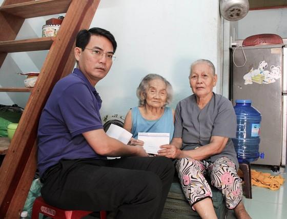 Báo SGGP trao tiền hỗ trợ cho 2 hoàn cảnh khó khăn ảnh 3