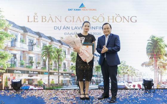 Trao sổ hồng cho cư dân 200 căn shophouse hạng sang ven hồ tại Đà Nẵng  ảnh 3