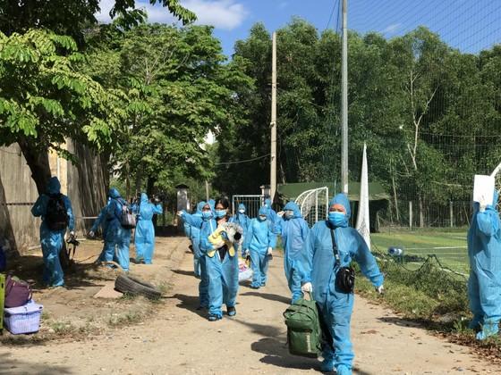 Xét nghiệm miễn phí cho người dân Quảng Ngãi trờ về từ TPHCM ảnh 1