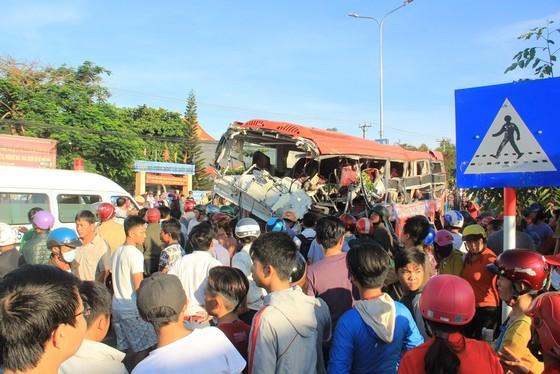 Xe tải và xe khách tông nhau: Ít nhất 10 người chết, 28 bị thương ảnh 5