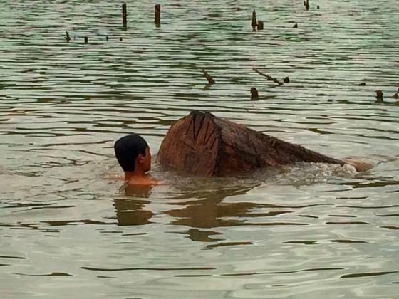 Phát hiện gỗ lậu giấu dưới lòng hồ thủy điện Sê San 3A ảnh 4