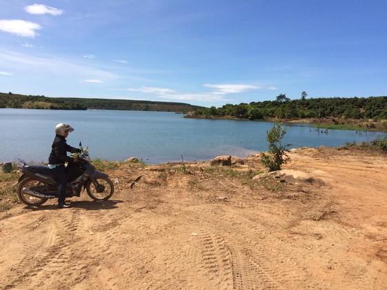 Truy tìm chủ gỗ cất giấu dưới lòng hồ thủy điện Sê San 3A ảnh 5