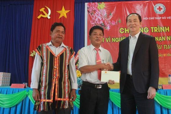 Chủ tịch nước Trần Đại Quang thăm, chúc tết đồn biên phòng, xã biên giới tại GIa Lai ảnh 5