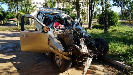 Xe tải và xe con tông nhau, 3 người chết, 3 người bị thương ảnh 2