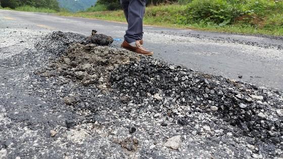 Vụ 'Quốc lộ chưa hết bảo hành đã hư nhiều chỗ': Sửa chữa trước ngày 30-9 ảnh 2
