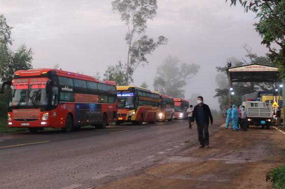 Kon Tum đón 269 người dân từ TPHCM về quê ảnh 2