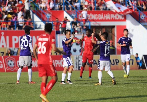 Thắng Hải Phòng, Hà Nội chiếm đầu bảng xếp hạng V-League  ảnh 1