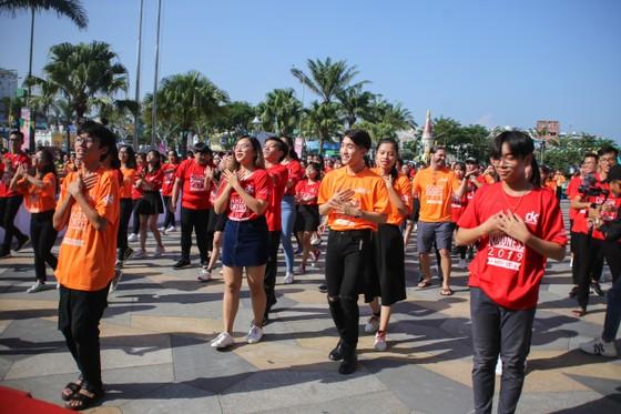 """Hơn 1000 thanh niên Đà Nẵng tham gia """"Nhảy! Vì sự tử tế"""" ảnh 3"""