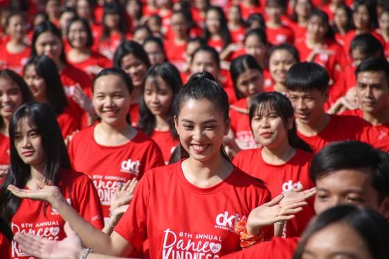 """Hơn 1000 thanh niên Đà Nẵng tham gia """"Nhảy! Vì sự tử tế"""" ảnh 5"""