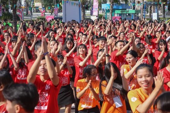 """Hơn 1000 thanh niên Đà Nẵng tham gia """"Nhảy! Vì sự tử tế"""" ảnh 6"""