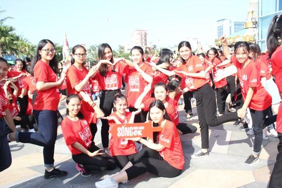 """Hơn 1000 thanh niên Đà Nẵng tham gia """"Nhảy! Vì sự tử tế"""" ảnh 7"""