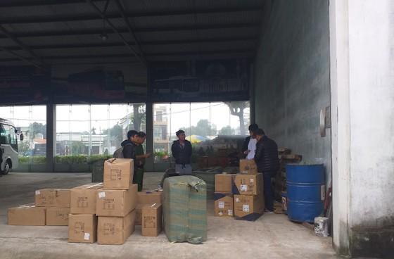 Tạm giữ 137 kiện hàng hóa có xuất xứ Trung Quốc ảnh 1