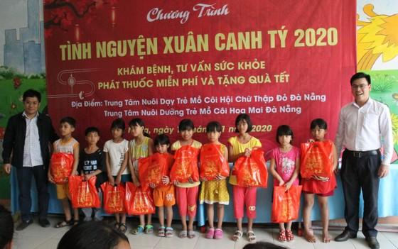 Tổ chức tư vấn, khám chữa bệnh, cấp phát thuốc miễn phí cho trẻ em mồ côi tại TP Đà Nẵng ảnh 5