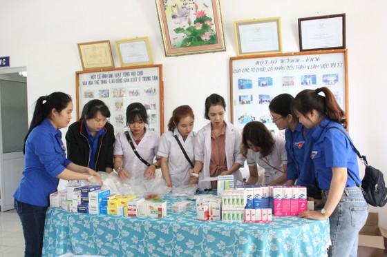 Tổ chức tư vấn, khám chữa bệnh, cấp phát thuốc miễn phí cho trẻ em mồ côi tại TP Đà Nẵng ảnh 2