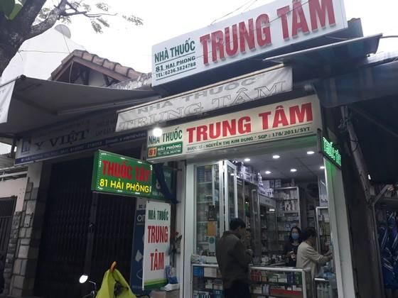 Đà Nẵng: Khẩu trang y tế 'cháy hàng' vì phòng dịch bệnh viêm phổi cấp do nCov ảnh 1