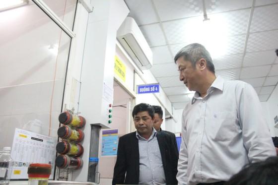 Thứ trưởng Bộ Y tế đánh giá cao công tác phòng dịch bệnh viêm đường hô hấp cấp do nCov tại Đà Nẵng ảnh 1