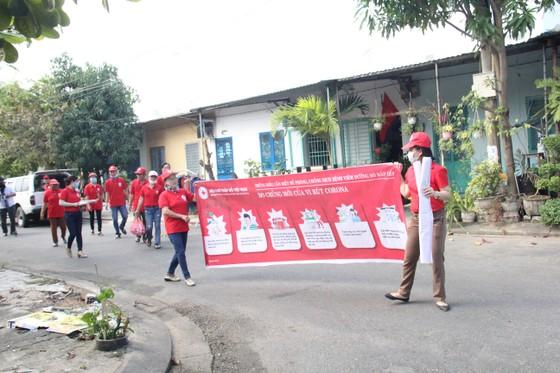 Đà Nẵng: Hơn 10.000 hộ gia đình khó khăn được hỗ trợ phòng chống Covid-19 ảnh 2