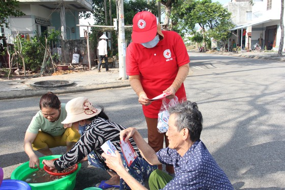 Đà Nẵng: Hơn 10.000 hộ gia đình khó khăn được hỗ trợ phòng chống Covid-19 ảnh 1