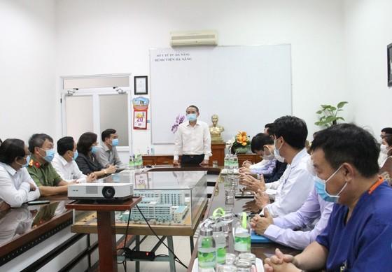 1 tỷ đồng hỗ trợ cho nhân viên y tế Đà Nẵng tham gia phòng chống dịch Covid-19 ảnh 1