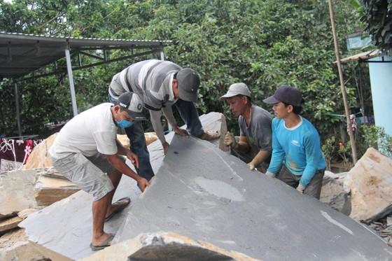 Gỡ khó cho sự phát triển làng nghề đá Hòa Sơn ảnh 2