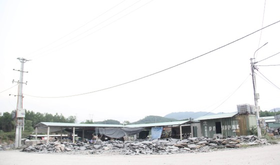Gỡ khó cho sự phát triển làng nghề đá Hòa Sơn ảnh 8