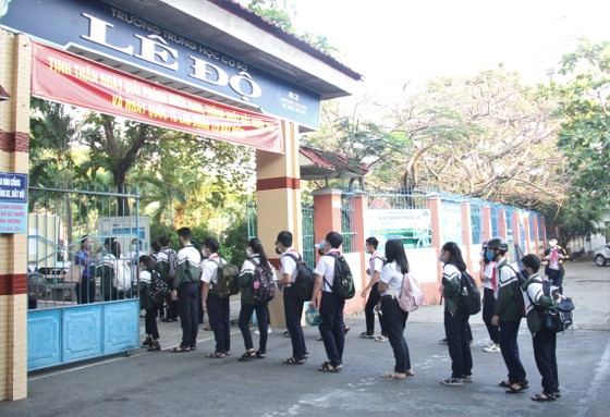 Đà Nẵng: Học sinh nghiêm túc thực hiện phòng, chống dịch khi trở lại trường học ảnh 1