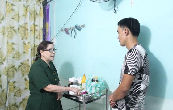 Nữ cựu quân y không ngừng cống hiến giúp đời ảnh 2