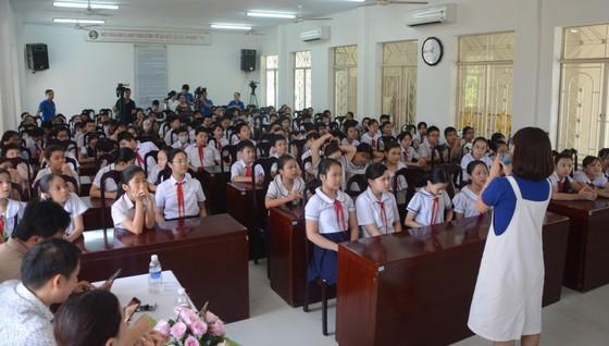 Học sinh Đà Nẵng tiếp cận chương trình 'Nói không với Fake News'' ảnh 1