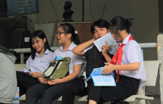 Hơn 13.000 học sinh Đà Nẵng bước vào môn thi đầu tiên kỳ thi tuyển sinh lớp 10 ảnh 2