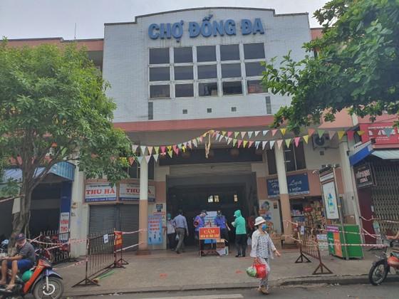 Đà Nẵng: Ngày đầu đi chợ bằng thẻ theo ngày chẵn lẻ ảnh 1