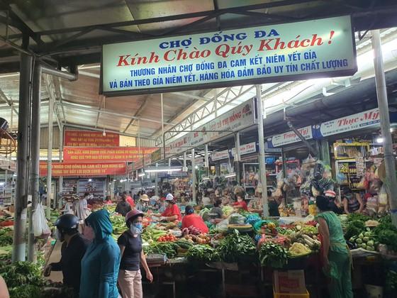 Đà Nẵng: Ngày đầu đi chợ bằng thẻ theo ngày chẵn lẻ ảnh 8