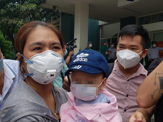 Đà Nẵng, Quảng Nam: 12 bệnh nhân Covid-19 khỏi bệnh, xuất viện ảnh 1