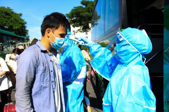 Đưa hơn 700 người Quảng Ngãi tại Đà Nẵng về quê ảnh 1