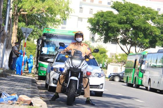 Đưa hơn 700 người Quảng Ngãi tại Đà Nẵng về quê ảnh 28