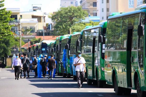 Đưa hơn 700 người Quảng Ngãi tại Đà Nẵng về quê ảnh 7