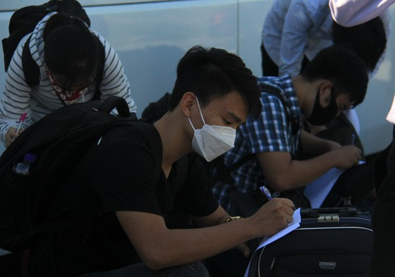 Đưa hơn 700 người Quảng Ngãi tại Đà Nẵng về quê ảnh 9