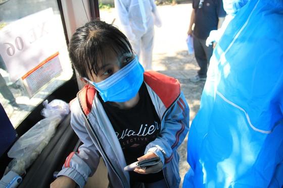 Đưa hơn 700 người Quảng Ngãi tại Đà Nẵng về quê ảnh 19