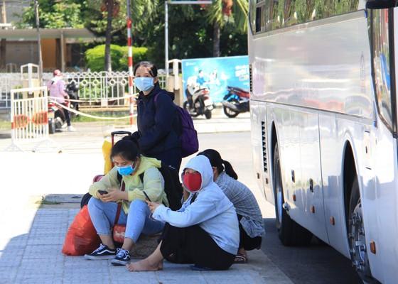 Đưa hơn 700 người Quảng Ngãi tại Đà Nẵng về quê ảnh 26