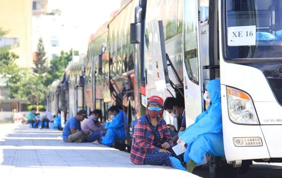 Đưa hơn 700 người Quảng Ngãi tại Đà Nẵng về quê ảnh 25