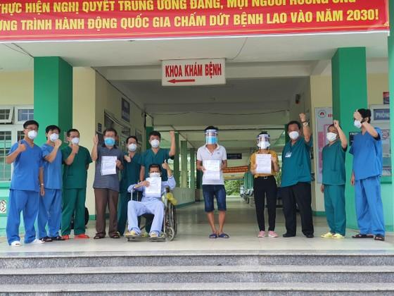 Bệnh nhân mắc Covid-19 thứ 582 có bệnh lý nền được xuất viện ảnh 1
