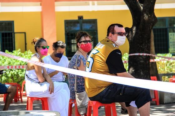 Gần 2.200 người nước ngoài được xét nghiệm Covid-19 tại quận Sơn Trà ảnh 1