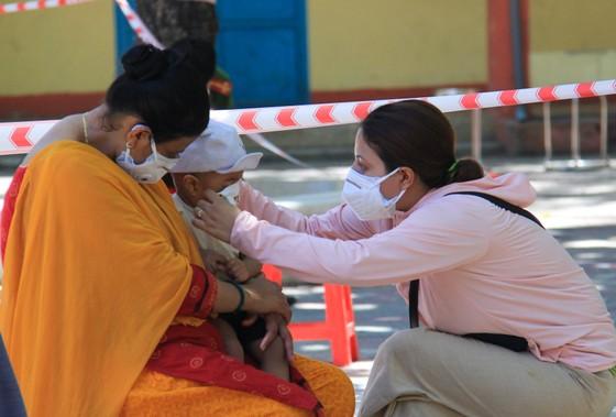 Gần 2.200 người nước ngoài được xét nghiệm Covid-19 tại quận Sơn Trà ảnh 2