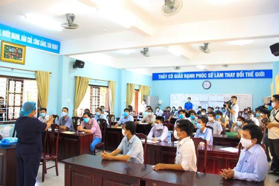 Lãnh đạo TP Đà Nẵng kiểm tra các điểm thi tốt nghiệp THPT năm 2020 đợt 2 ảnh 3